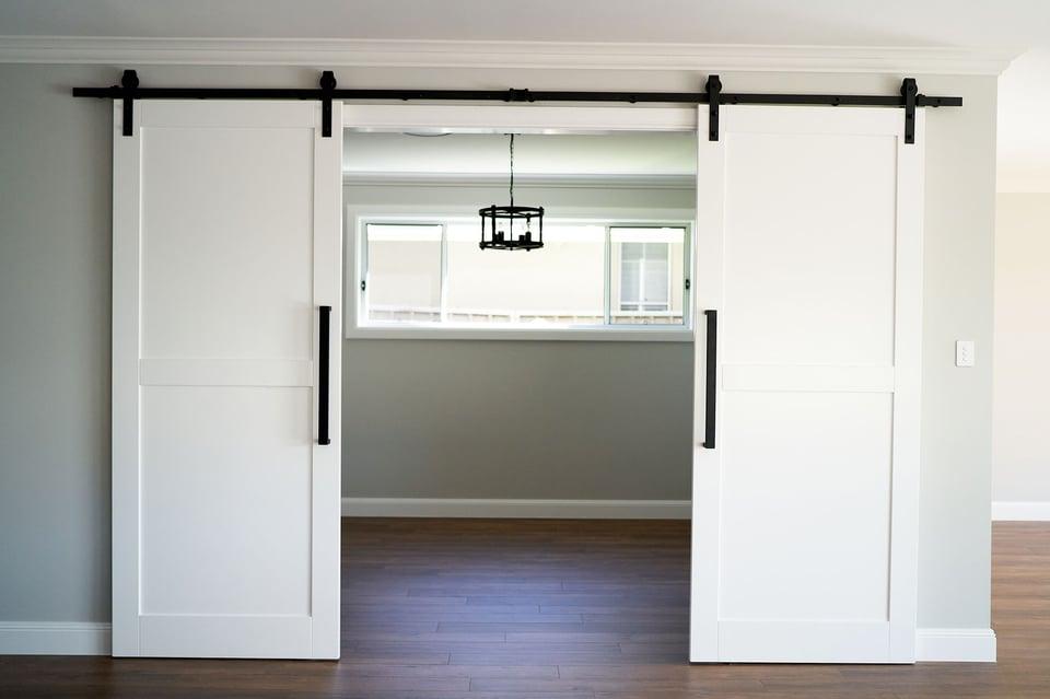 hallharthomes-hamptons-doors-003