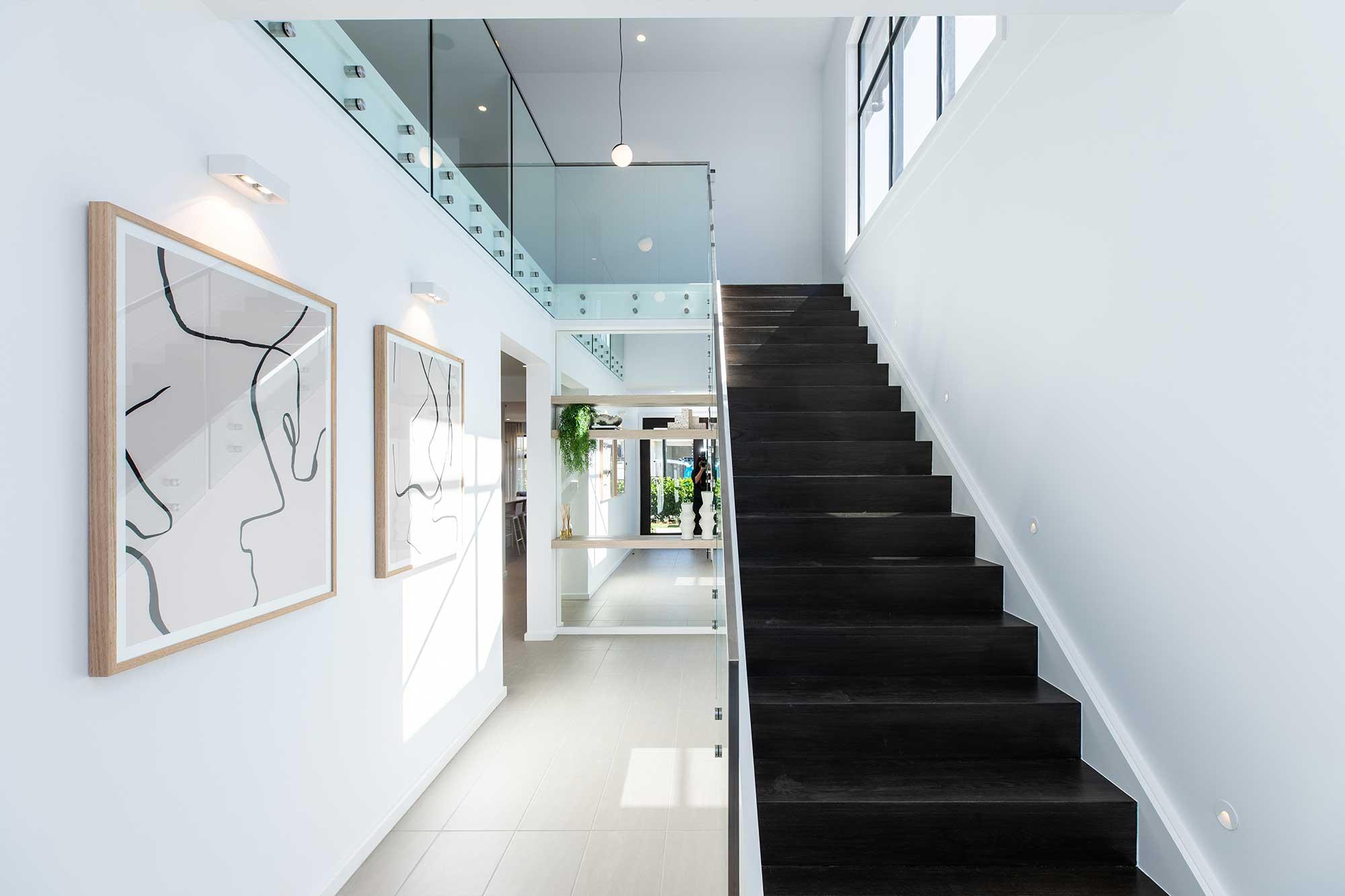 hallharthomes-mayfair-staircase-002